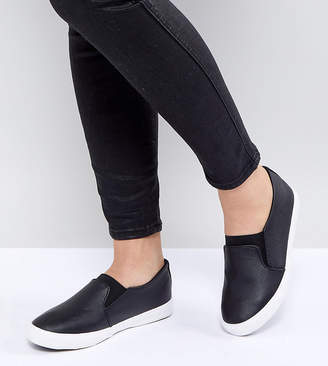 New Look Wide Fit Slip On Leather Look Sneaker