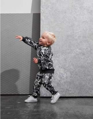 3176136370a0 Kids Adidas Tracksuits - ShopStyle UK