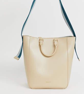 Inyati tote bag with sporty cross body strap