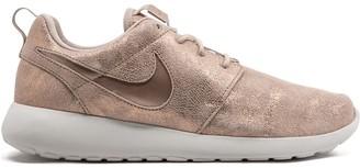 Nike Roshe One Premium sneakers