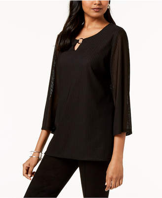 JM Collection Textured Keyhole Top