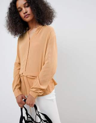 MBYM Sporty High Neck Top