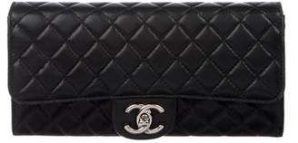 Chanel E/W Clutch On Chain