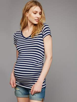 A Pea in the Pod V Scoop Neck Side Ruched Maternity Tee- Solid