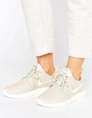 Nike Roshe 2 Premium Sneakers In Beige With Embroidered Swoosh