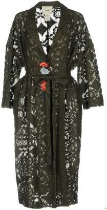 Suoli Overcoats