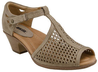Earth Pavo (Women's) $109.95 thestylecure.com