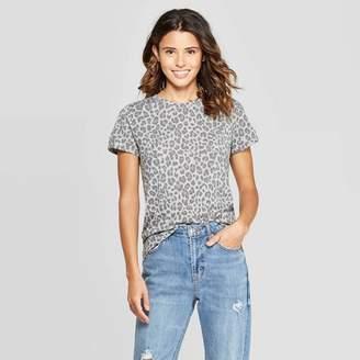 Zoe+Liv Women's Leopard Print Short Sleeve Graphic T-Shirt (Juniors') - Gray