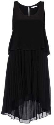 Chelsea Flower Knee-length dress