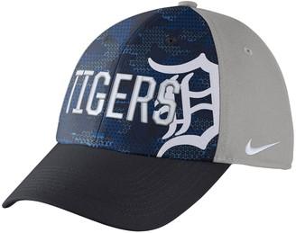 d86cda23183b9 Nike Adult Detroit Tigers Woodland Camo Classic Flex Cap