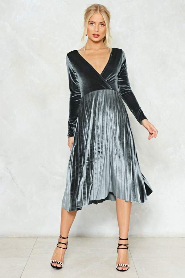 nastygal Behind Their Back Velvet Dress