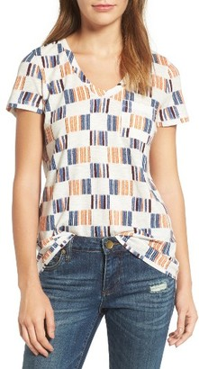 Women's Caslon Rounded V-Neck Tee $25 thestylecure.com