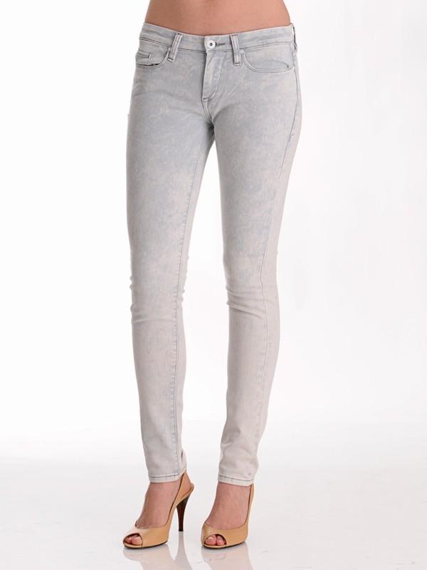 Blank Basic Skinny Jean in Acid Wash