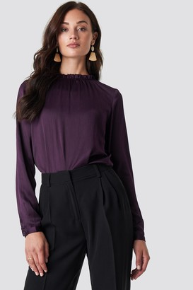 Rut & Circle Rut&Circle Maci Frill Neck Blouse Dark Purple