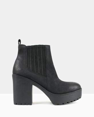 betts Conrad Chunky Platform Ankle Boots