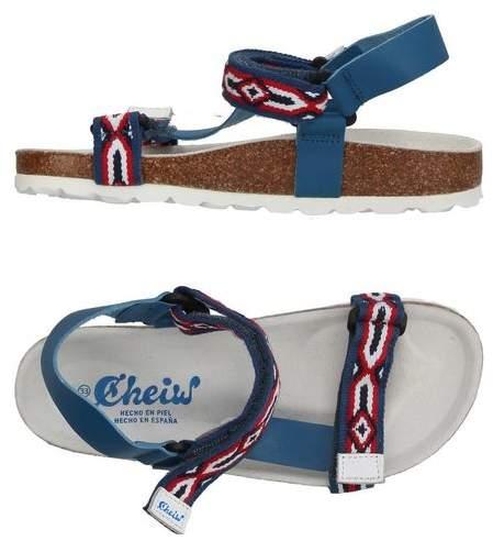 CHEIW Sandals