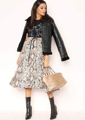 Missy Empire Missyempire Dana Snake Print Pleated Skirt