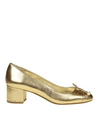 Michael Kors Gia Flex Mid Pump In Gold Laminated Leather Decollete