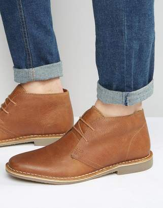 Red Tape Desert Boots In Tan Leather