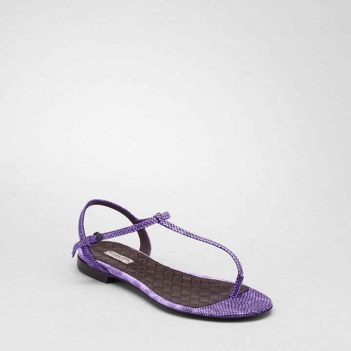 Violet karung sandal