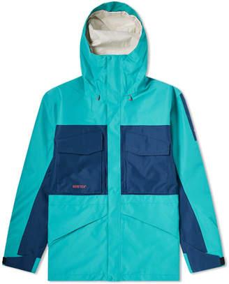 The North Face Fantasy Ridge Gore-Tex Jacket