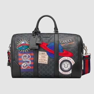 Gucci (グッチ) - 〔グッチ クーリエ〕ソフト GGスプリーム キャリーオンダッフルバッグ