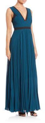 BCBGMAXAZRIASleeveless Pleated Gown