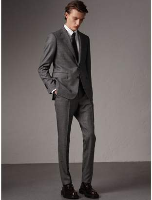 Burberry Soho Fit Houndstooth Check Wool Suit