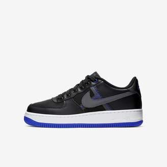 Nike Big Kids' Shoe Force 1 LV8 1
