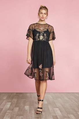 Willow & Clay Embroidered Tunic Dress