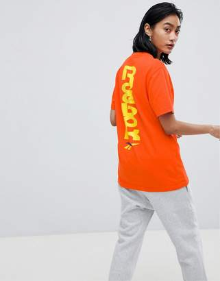 Reebok T-Shirt With Contrast Vector Logo