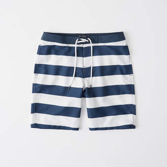Abercrombie & Fitch A&F Men's Classic Boardshorts in Navy Blue/White - Size 30