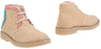 (+) People Ankle boots