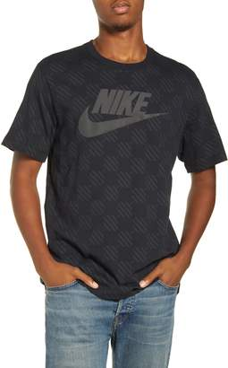 Nike Triple Block 2 Graphic T-Shirt