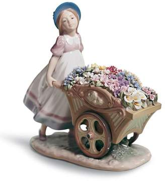 Lladro Love's Tender Tokens Figurine