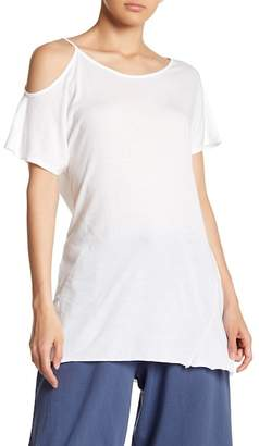 Michelle by Comune Hi-Lo Single Cold Shoulder Tee