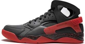 sports shoes 689b5 867db Nike Air Flight Huarache PRM QS Black Anthracite  Love Hate Pack