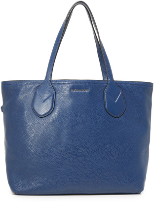 Marc Jacobs Reversible Dual Shopping Tote $395 thestylecure.com