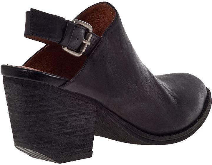 Jeffrey Campbell Ft. Collins Mule Black Leather