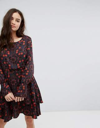 Vila Frill Hem Floral Midi Dress