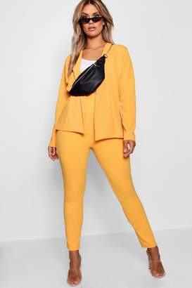 boohoo Plus Crepe Fitted Suit