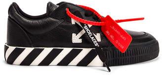 Off-White Off White Arrow Low Vulcanized Sneaker in Black & White   FWRD