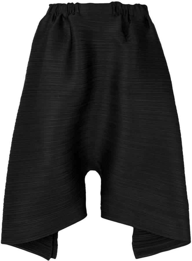 Drapierte Oversized-Shorts