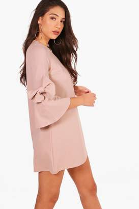 boohoo Bow Sleeve Detail Formal Shift Dress