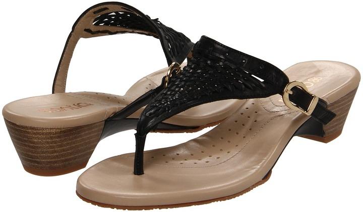 Antia Majesta (Black Brush Off Antique Waxy Nappa Leather) - Footwear