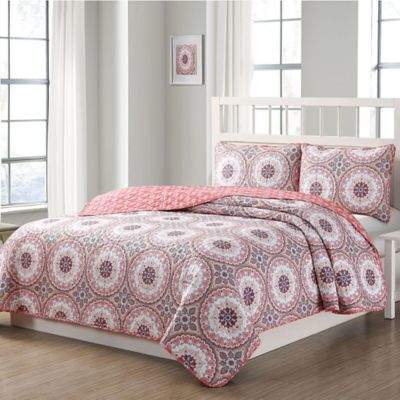 Quaint Home Darma Reversible Queen Quilt Set in Pink
