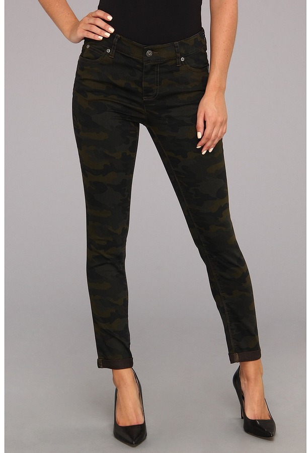 Vince Camuto TWO by Camo Cuffed Jean in Dark Leaf Women's Jeans