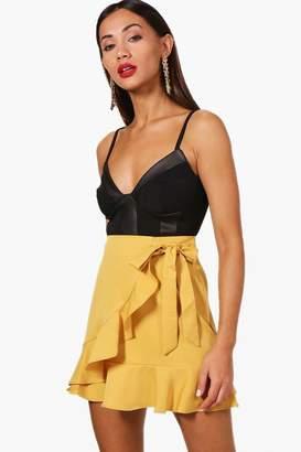 boohoo Petite Ruffle Front Tie Waist Mini Skirt