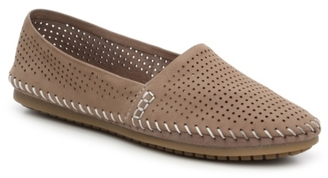 Adam Tucker by Me Too Sand Flat $79 thestylecure.com