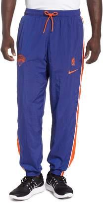 Nike New York Knicks Courtside Track Pants